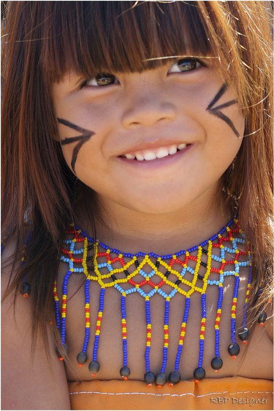 Pequena e linda índiazinha do Brasil