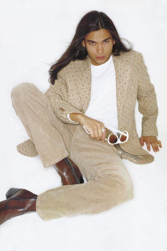 Héctor Reyes ©Miguel Oriola TENMAG magazine fashion editorial Enero 1996
