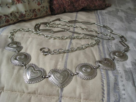 "For Sale @ A Junkee Shoppe. Click Link To View ""Quality Used Items Of Interest"" and second hand item product description"