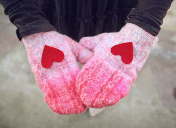 DIY  Ombre Sweater Mittens