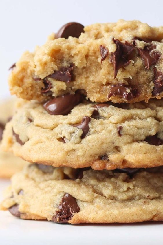 Peanut Butter Chocolate Chip Cookies | Imperial Sugar