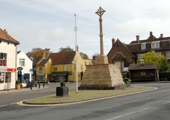 Holt; Town Focus feature; This picture shows Market Place; For:EDP Norfolk; Copy:Sally Withey