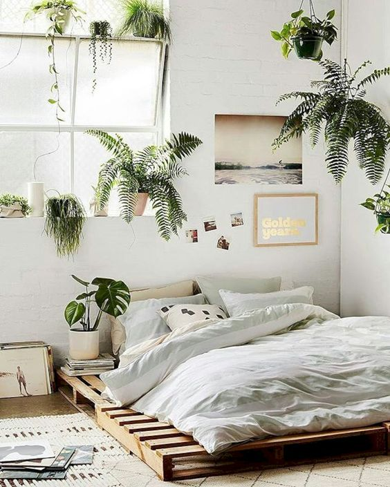 Image of Bedroom with green plants BEDROOM INSPIRATION | SOYVIRGO.COM