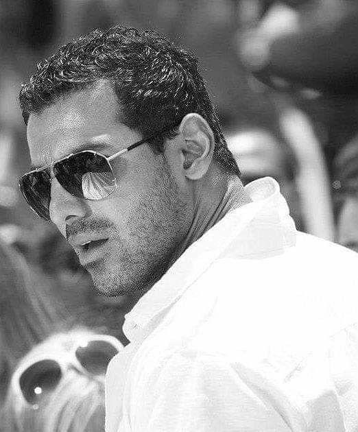 Pin By Priti Prvatker On Handsome Men Handsome Men Bollywood Actors John Abraham