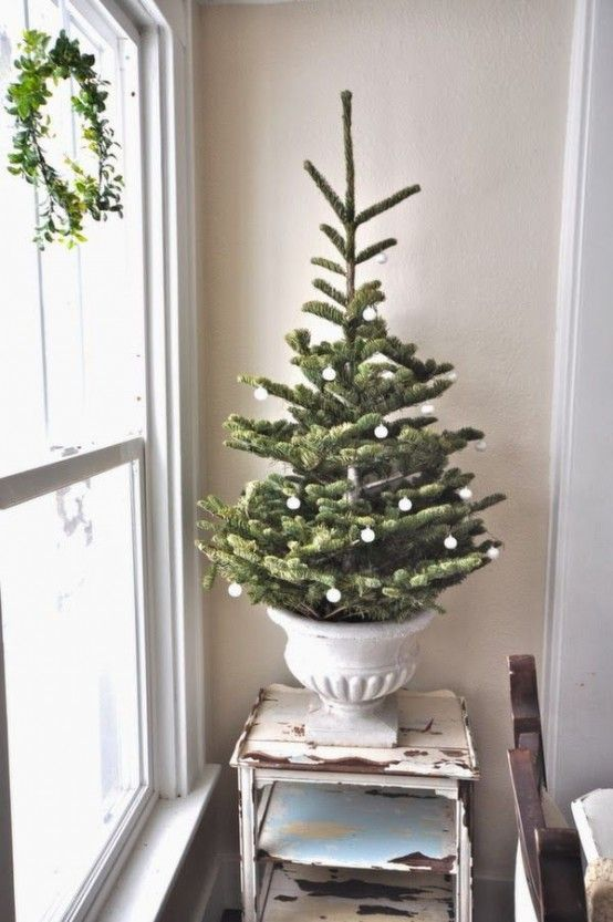 44 Space-Saving Christmas Trees For Small Spaces