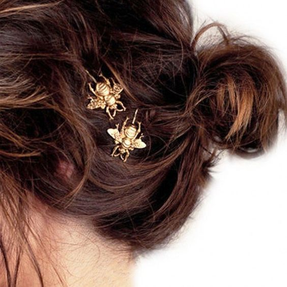 Yoins Honeybee Hair Clip in Gold (€1,77) ❤ liked on Polyvore featuring accessories, hair accessories, gold, hair clip accessories, gold hair clips, gold hair accessories and barrette hair clips