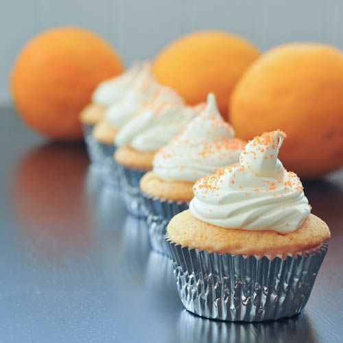 orange creamsicle cupcakes via @spabettie
