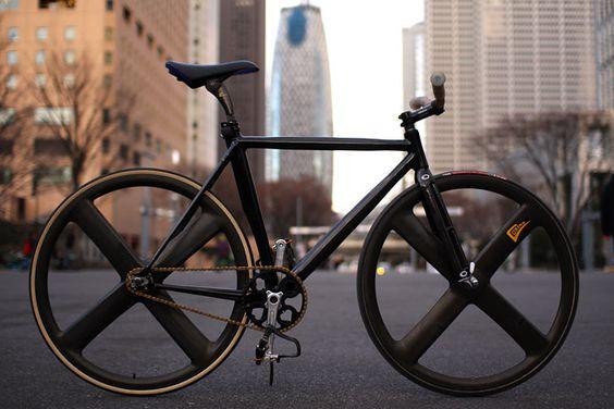 4-spoke wheels