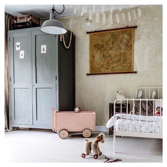 Kids room with vintage touch: