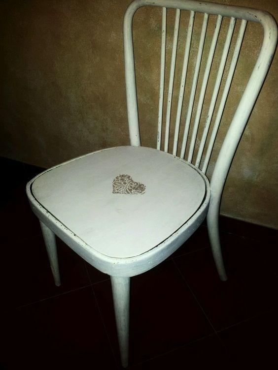 Sedia stile provenzale shabby chic in legno | sedie | Pinterest ...