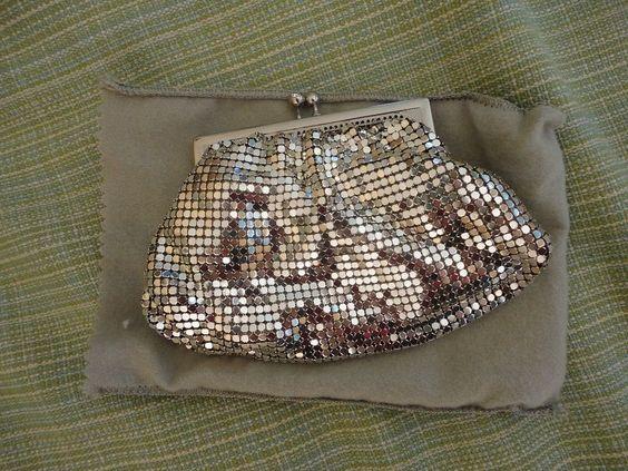 DURAMESH Art Deco Silver Mesh Kiss Clasp Closure Change Purse Dust Bag 1940s #Duramesh #ChangePurse