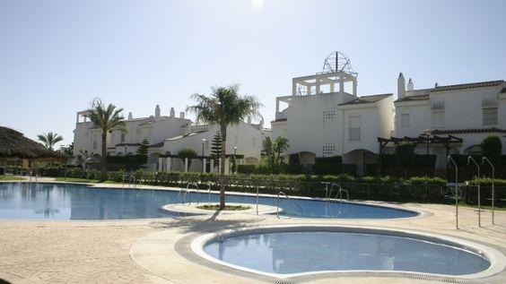 Bonitas piscinas para el disfrute de mayores y pequeños.