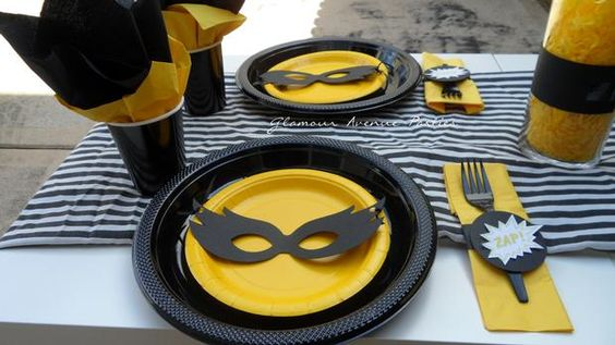 place settings for your kids super heroes party!