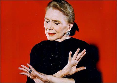 Monday's tunes by Maria Dolores Pradera.