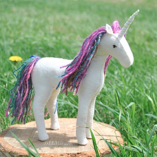 Sew your own felt horse or unicorn with this easy to follow pattern.: