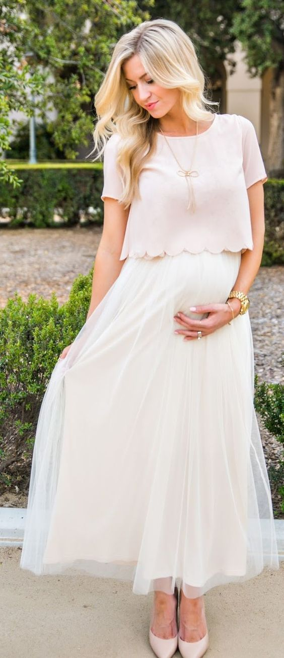 Stunning Outfit Ideas For Your Baby Shower | Scalloped Tops, White Skirts  And Babies