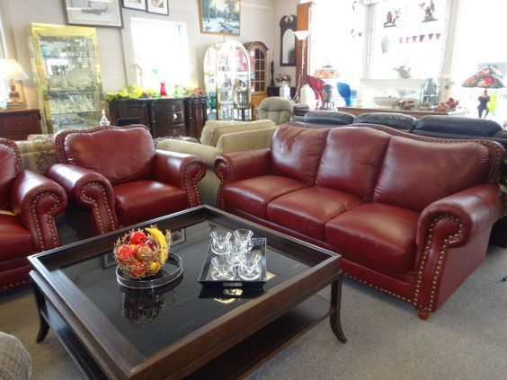 Sofa da tphcm màu đỏ cho phòng khách hiện đại