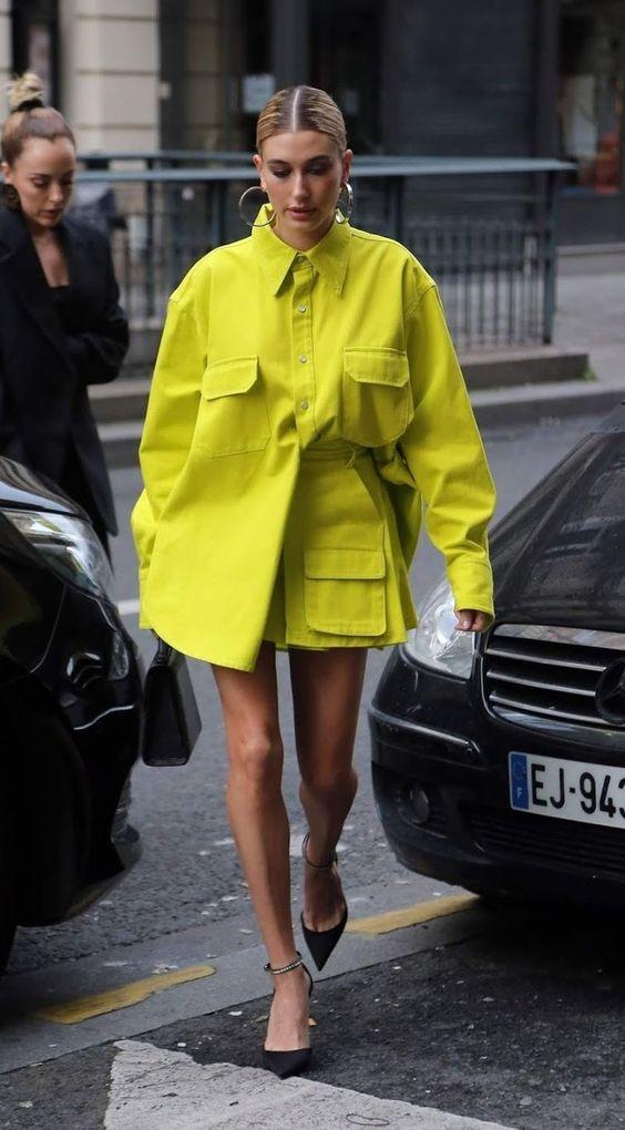 Hailey Baldwin making a statement in bright colors : 6 ways to wear neon in summer #2019 #neonfashion #spring #brightcolours #haileybaldwin #haileybieber #hailey  #Z#summerfashion #china #homedecor #green #summer
