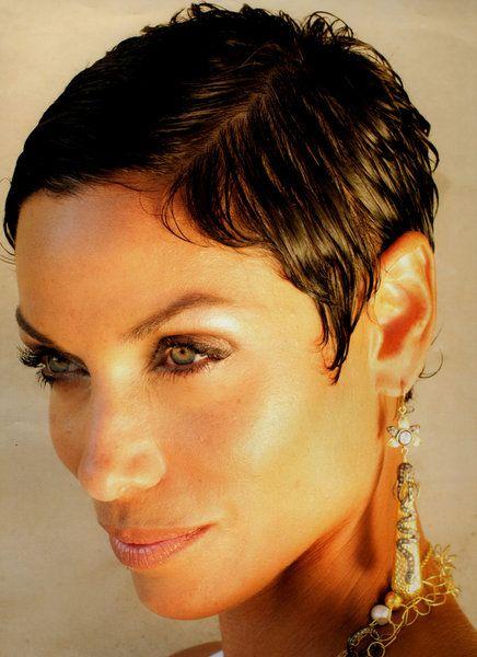 Nicole Murphy short cut