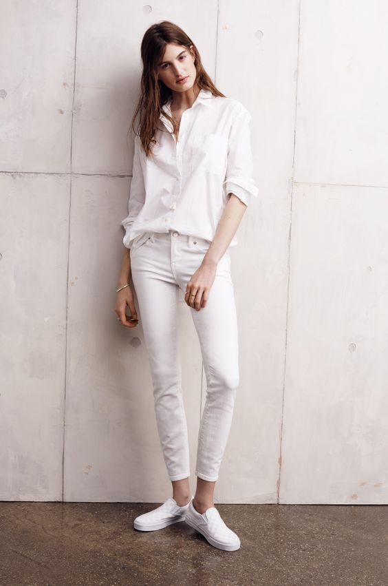 Madewell oversized button-down worn with skinny skinny crop jeans + Vans® classic slip-ons.