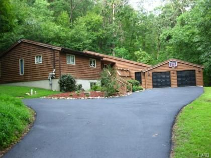 3046 Balsam Rd., Center Valley, PA  18034 - Pinned from www.coldwellbanker.com