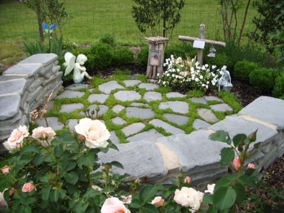 Memorial gardens loved ones and pets on pinterest for Garden memorials for loved ones
