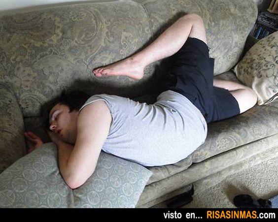 Ese momento maravilloso que cogemos la postura perfecta durante la siesta.