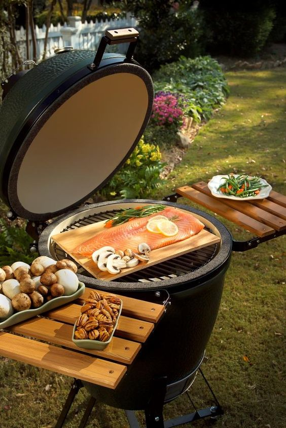 Looking for a Big Green Egg?  They come in 6 different sizes!
