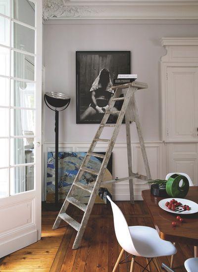 Une échelle de bibliothèque détournée. Plus de photos sur Côté Maison http://petitlien.fr/8293
