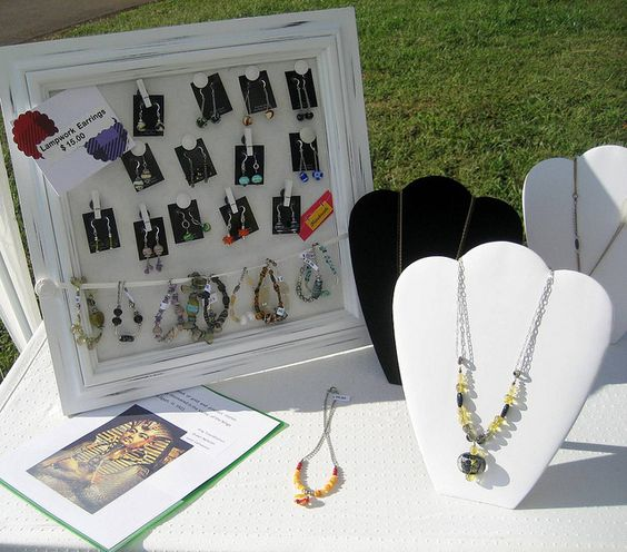 Earring & bracelet display