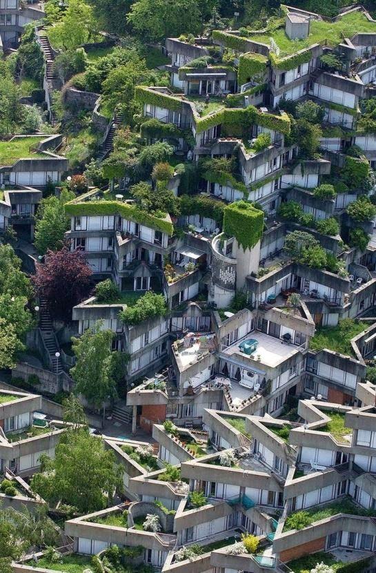 Compejo de apartamentos del arquitecto Jean Renaudie, en los 70, cerca de Paris.