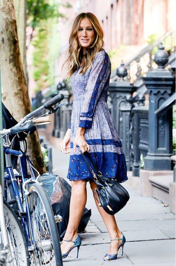 Sarah Jessica Parker  - Petite celebrities with style.  Re-pin via petitestyleonline.com