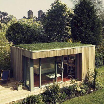 Le toit terrasse du studio peut être recouvert d'une toiture végétalisée, plantée de sedums qui augmentent l'isolation.