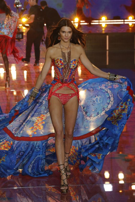 Kendall Jenner walks the Victoria's Secret Fashion Show 2015 [Photo: George Chinsee]