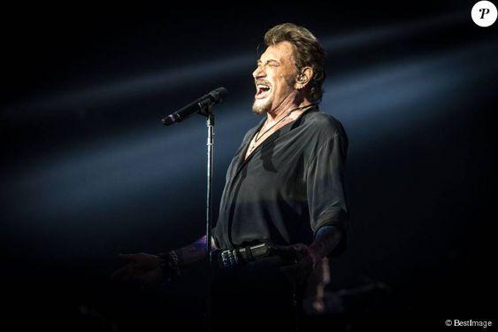 Exclusif - Johnny Hallyday en concert sur la scène de l'Arena à Genève. Le 3…
