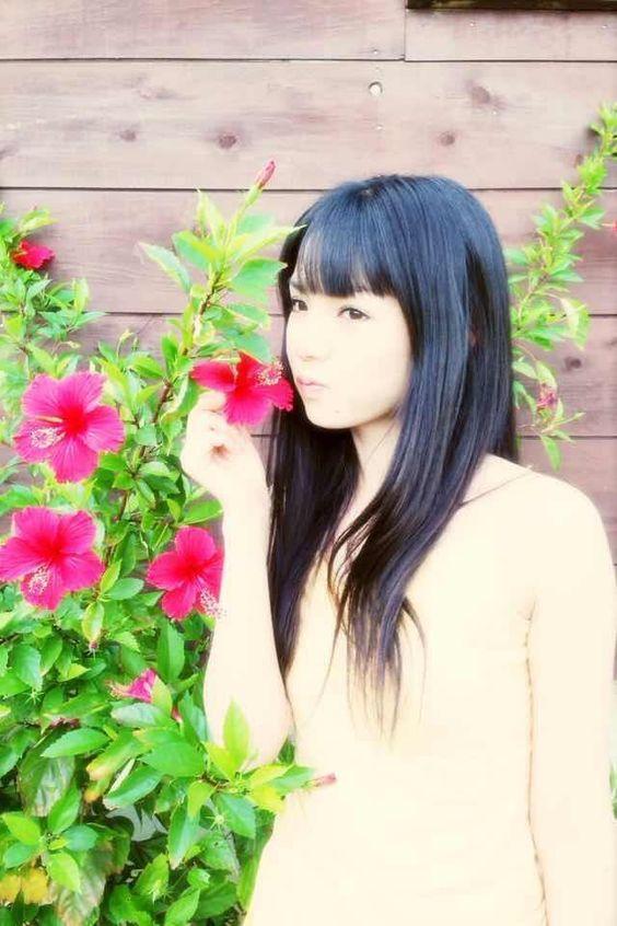 """モーニング娘。'14マネージャーさんはTwitterを使っています: """"道重さゆみ写真集「YOUR LOVE」本日発売です! あなたの愛、あなたの愛するものが、ここに詰まってます\(^o^)/ #morningmusume14 http://t.co/2MWgnXOxuI"""" / Michishige Sayumi"""