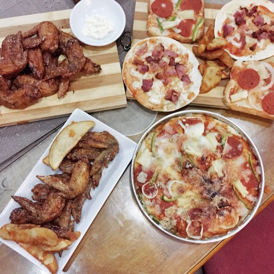 Wings & Pizza