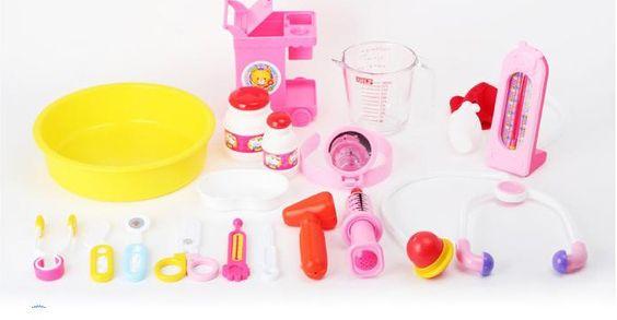 Đồ chơi bằng gỗ hay đồ chơi làm nhựa tốt cho con bạn hơn?