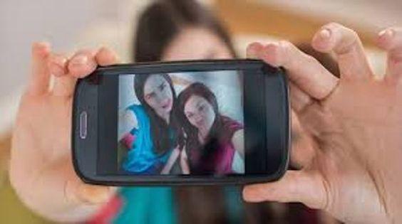 Cómo tomar mejores selfie o autofoto con su celular http://www.audienciaelectronica.net/2014/04/14/como-tomar-las-mejores-selfie-o-autofoto-con-su-celular/