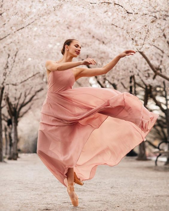 "The Wonderful World of Dance on Instagram: ""Lovely @livvymei photographed by @samanthalittledance 🌸⁠ ⁠ ⁠ ⁠ #dance #dancersofinstagram #dancersofig #dancephotography…"""