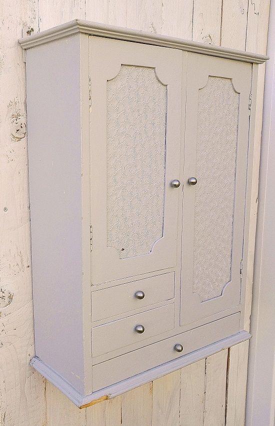 Petit Meuble Mural Armoire En Bois Peint 50 S Armoire En Bois Petit Meuble Petit Meuble Rangement