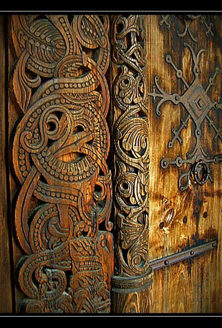 my-sea-of-time:  Viking door carving