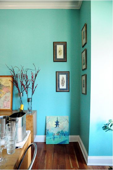 Aqua ombre walls! This is awesome!