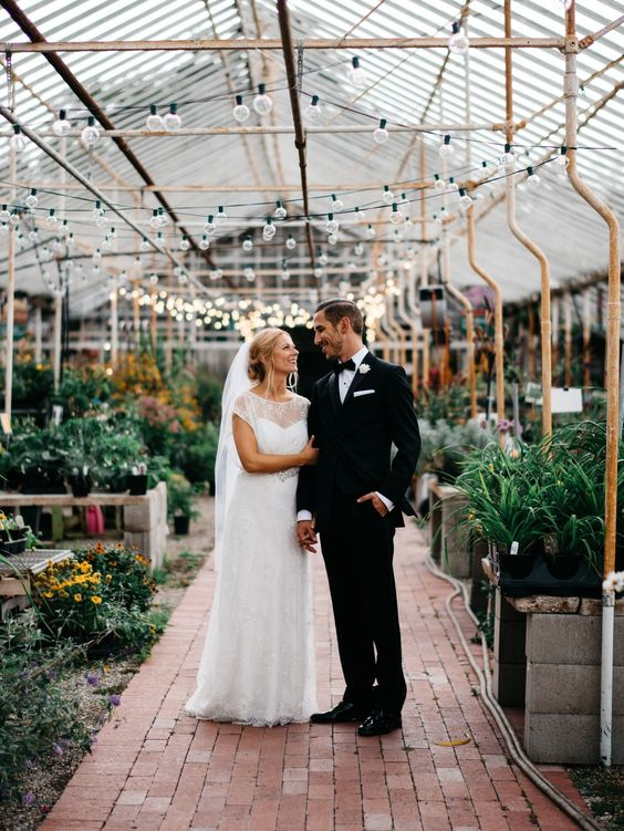 Melanie & Jonathan | Goldner Walsh Green House Wedding | Pontiac, Michigan