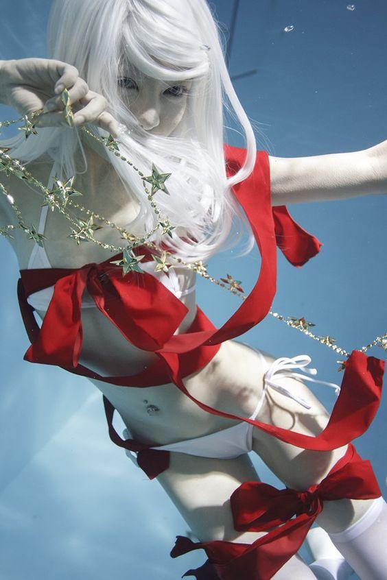 """古賀学 on Twitter: """"みなさま良きクリスマスイブをおすごしください〜。 #水中ニーソ https://t.co/Lxs1BCn1BM"""""""