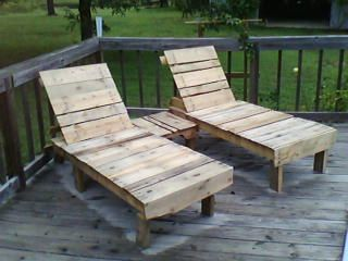 Pool lounge chairs made out of pallets pallet furniture for Garden pool made from pallets
