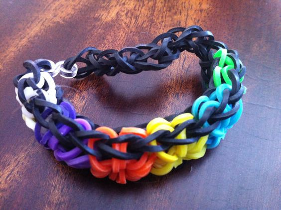 Rainbow loom rubber band starburst bracelet