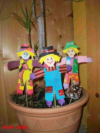 Pouvantails bricolages enfants pinterest for Decoration fenetre carnaval