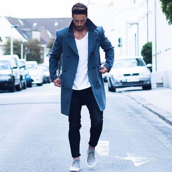 """Daniel på Instagram: """"Simple look* Have a nice evening! #coat #colder #days"""":"""