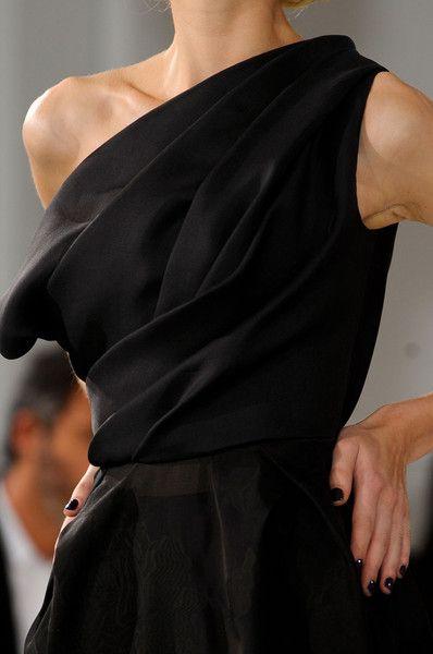 Dior: Fashion Details, Black Dresses, Dior Draping, Couture Spring, 2012 Details, Dior Details, Christian Dior Gowns, Christian Dior Couture, Little Black Dress